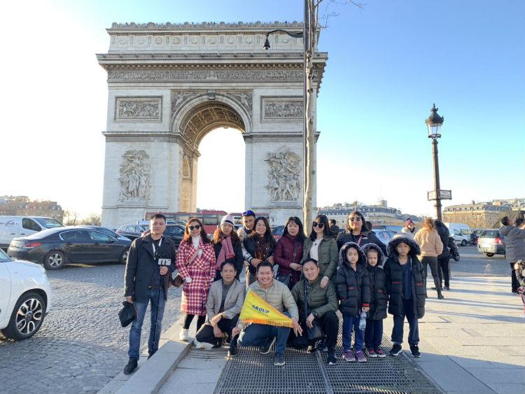 Đoàn đi Châu Âu dịp Tết 2018