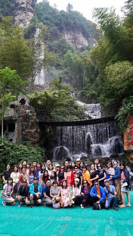 Đoàn thăm Phượng Hoàng Cổ Trấn 2018