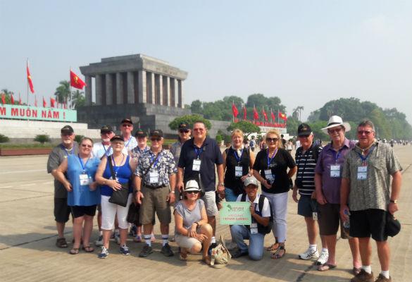 Đoàn Úc xuyên Việt 2017