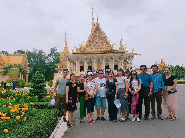 Đoàn thăm Siêm Riệp, Campuchia
